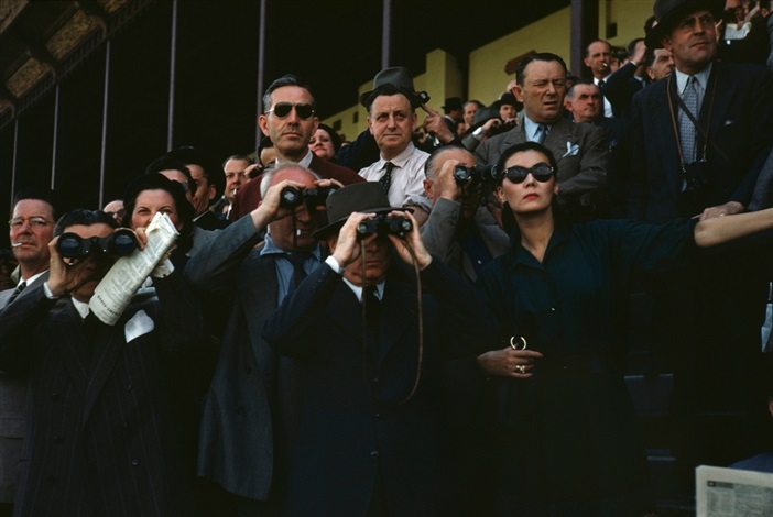 robert-capa-spectators-at-longchamp-racecourse-paris